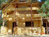 Смонтирован сруб и крыша. Предстоит монтаж окон, дверей и внутренняя отделка.